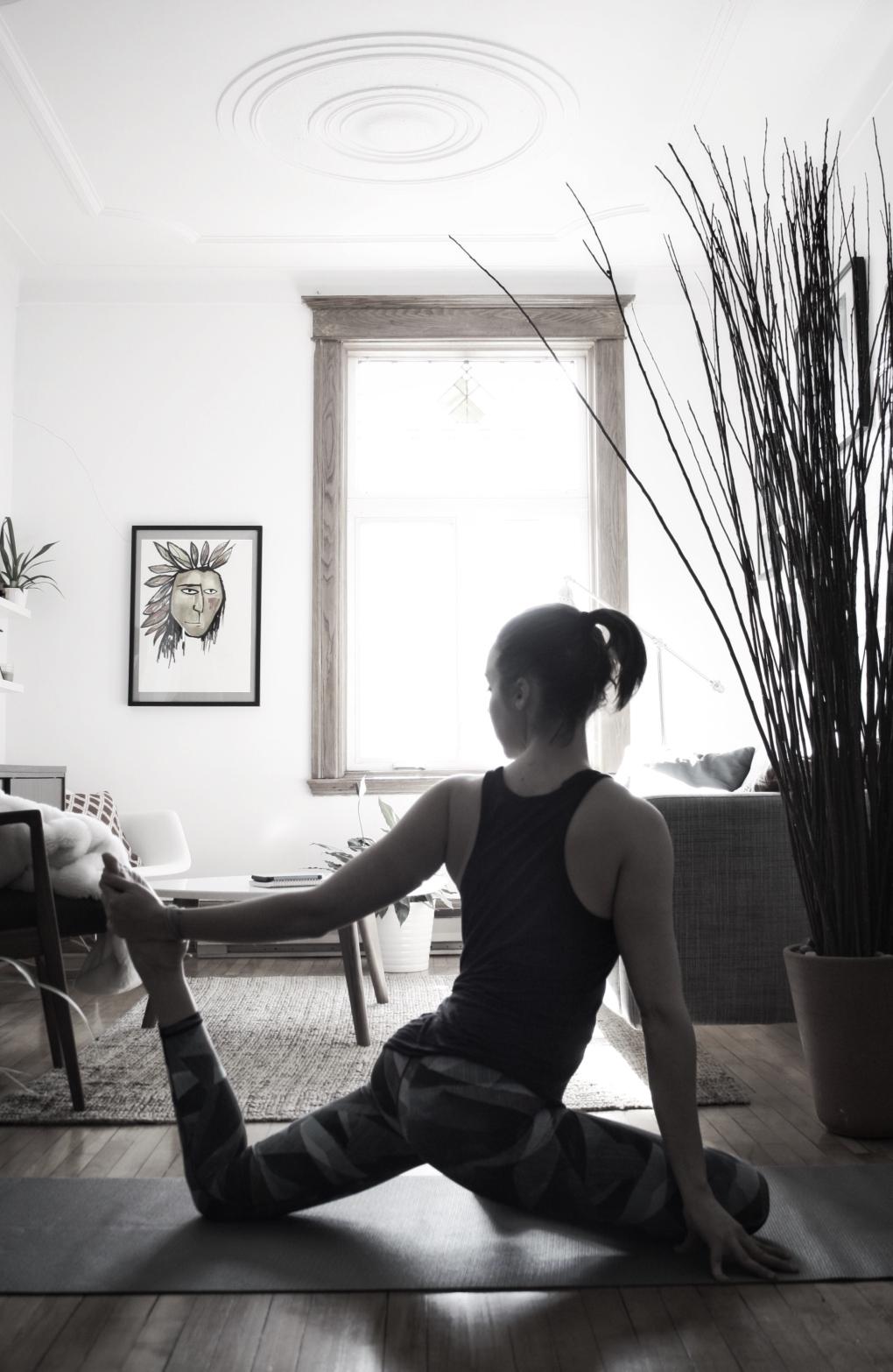 moi-noir-et-blanc-yoga